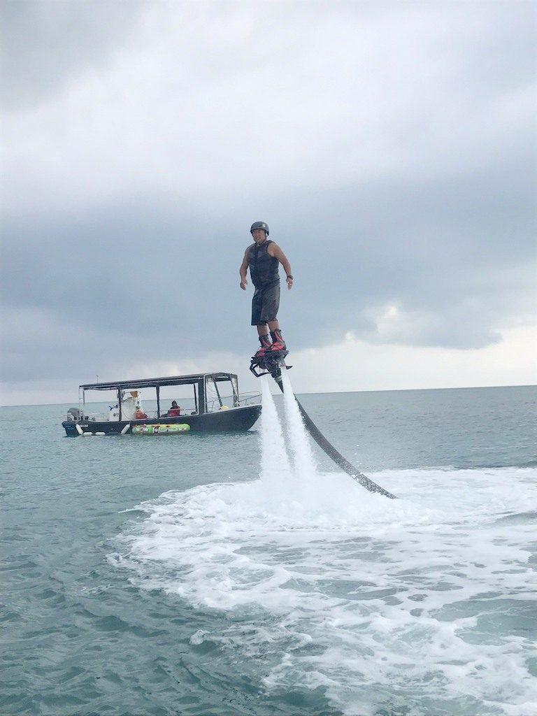 石垣島 水圧で空を飛ぶ!