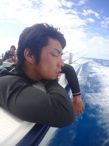 仲ノ神島からお次は波照間へ!新人ショーゴも酔ってます。