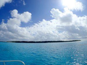 黒島到着。カメとシュノーケルし上陸